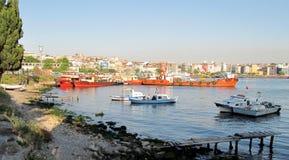 Ferri en Kadikoy, Istambul, Turquía 2014 fotos de archivo
