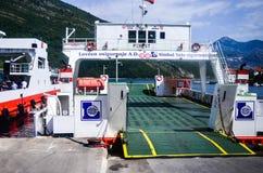 Ferriboat en la bahía de Kotor, Montenegro Fotografía de archivo libre de regalías