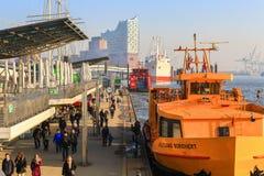 Ferries de port à Hambourg Photos libres de droits