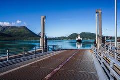 Ferries& x27; cruz Natureza bonita Noruega Imagens de Stock