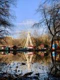 Ferris катит внутри парк названного Юрия Gagarin в городе самары стоковые изображения rf