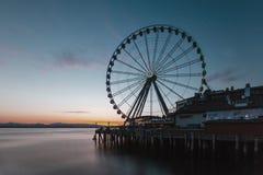 Ferris koło na molu morzem w Seattle, usa fotografia stock