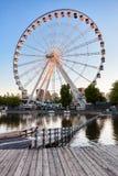 Ferris ko?o Montreal los angeles Grande Roue de Montreal i jezioro przy zmierzchem zdjęcia royalty free