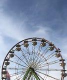Ferris koło przy lokalnym jarmarkiem obrazy stock