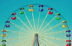 Ferris roda dentro o estilo retro do vintage fotos de stock royalty free