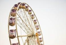 Ferris roda dentro o porto querido imagem de stock royalty free