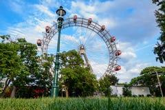 Ferris roda dentro o prater, Viena imagens de stock