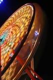 Ferris roda dentro a rotação cheia fotografia de stock royalty free