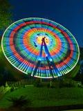 Ferris roulent dedans la nuit Images libres de droits