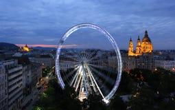 Ferris toczy wewnątrz Budapest obraz stock