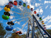 Ferris wheel against blue sky Royalty Free Stock Photos