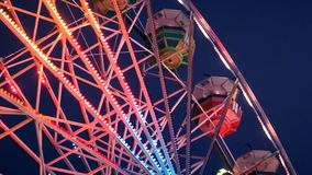 Ferris Wheel Carnival Ride na noite video estoque