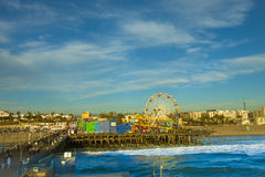 Ferris Wheel chez Santa Monica Pier, la Californie Photographie stock