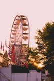 Ferris Wheel de côté photographie stock libre de droits