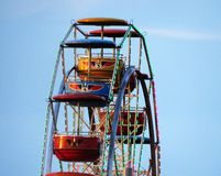 Ferris Wheel Early seul vide le soir Photo stock