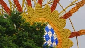 Ferris Wheel en la diversión justa almacen de metraje de vídeo