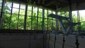 Ferris Wheel famoso nella città fantasma di Pripyat, zona di esclusione di Cernobyl Ucraina stock footage