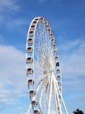 Ferris Wheel grande en ASIATIQUE el distrito de la fábrica de la orilla del río Fotografía de archivo libre de regalías