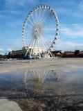 Ferris Wheel grande en ASIATIQUE el distrito de la fábrica de la orilla del río Imágenes de archivo libres de regalías