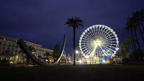 Ferris Wheel im Nachtpanoramischen Radriesenrad herein das nette stock footage