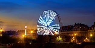 Ferris Wheel luminoso Fotos de archivo libres de regalías