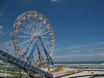 Ferris Wheel op Strand Stock Foto's