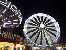 Ferris Wheel på natten Royaltyfria Foton