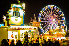 Ferris Wheel på den Leipzig julmarknaden Royaltyfri Fotografi