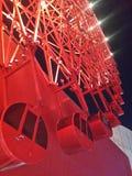Ferris Wheel rojo Imágenes de archivo libres de regalías