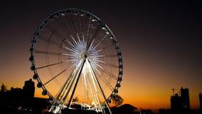 Ferris wheel in twilight, Day to Night. stock video