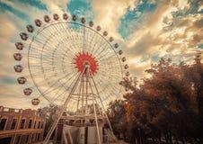 Ferrisna rullar in Krasnodar Royaltyfria Foton