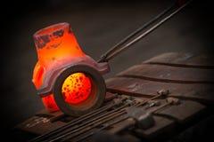 Ferro caldo in smeltery Immagini Stock