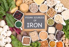 Ferro na dieta do vegetariano Fontes do alimento de ferro do vegetariano foto de stock royalty free