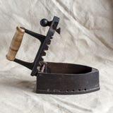 Ferro velho do carbono do metal com uma tampa aberta imagem de stock