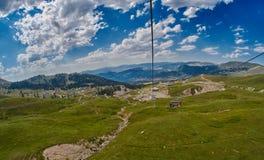 Ferrocarril aéreo de la montaña en Georgia Fotos de archivo