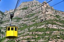 Ferrocarril aéreo en la montaña Montserrat Imagen de archivo