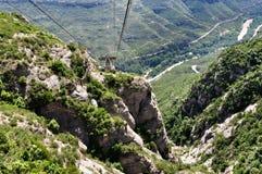 Ferrocarril aéreo en la montaña Montserrat Foto de archivo