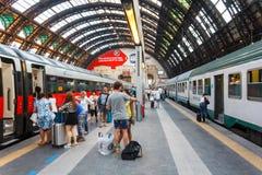 Ferrocarril central de Milano fotos de archivo