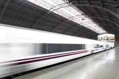 Ferrocarril con el tren Imagen de archivo libre de regalías