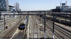 Ferrocarril de la cruz del sur, Melbourne. Foto de archivo