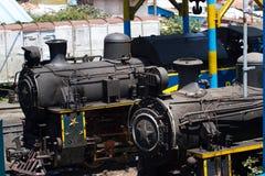 Ferrocarril de la montaña de Nilgiri Tren azul Herencia de la UNESCO Estrecho-indicador Locomotora de vapor en depósito Fotografía de archivo libre de regalías