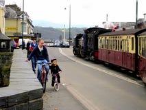 Ferrocarril de la montaña Galés, Porthmadog, País de Gales. Fotografía de archivo