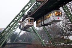 Ferrocarril de la suspensión de Wuppertal, Alemania Fotografía de archivo