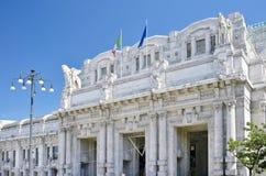 Ferrocarril de Milano Centrale Imagenes de archivo