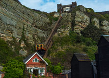 Ferrocarril del acantilado, ferrocarril funicular de la elevación del cable, en el vill de la playa Fotos de archivo