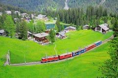 Ferrocarril del calibrador estrecho. Suiza. Fotos de archivo