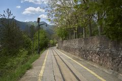 ferrocarril del Estrecho-indicador en La Pobla de Lillet, Barcelona Imagen de archivo