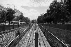 Ferrocarril del metro mirado del puente Imagen de archivo libre de regalías
