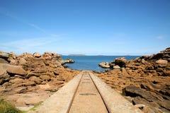 Ferrocarril en el océano Fotos de archivo libres de regalías