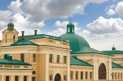 Ferrocarril en Ivano-Frankivsk Uno de la más vieja estación de tren en Ucrania Fotos de archivo